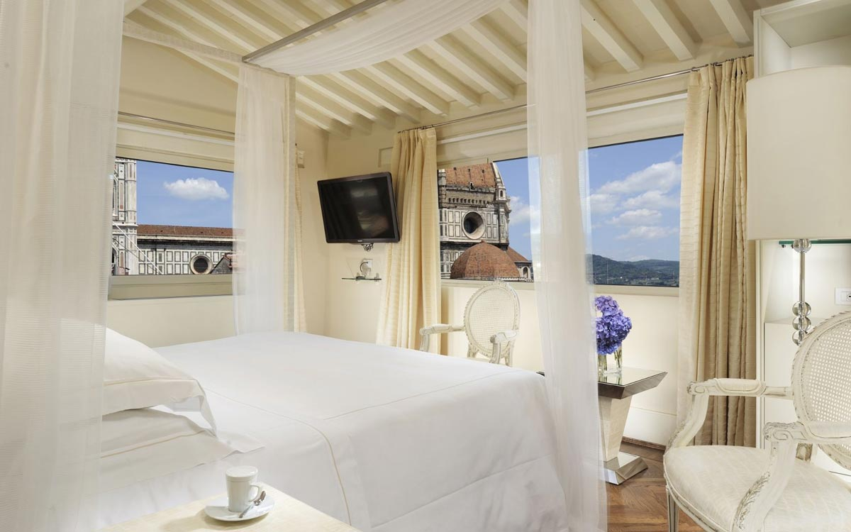 Photogallery suites brunelleschi hotel for Camere da letto firenze