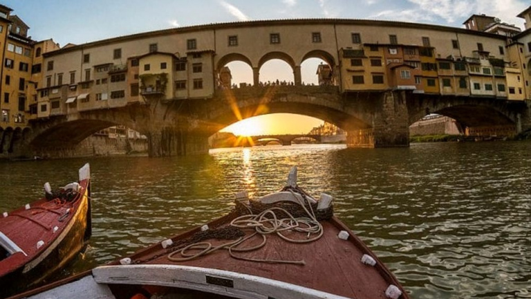 boat ride in florence italy with children