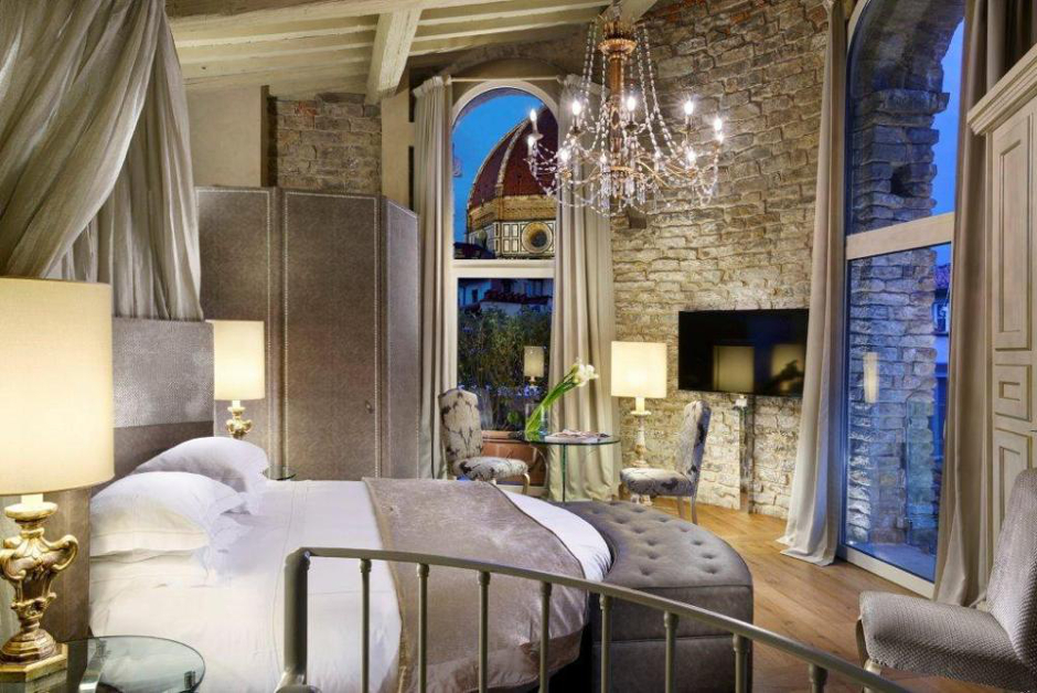 suite with Duomo view in Florence Italy