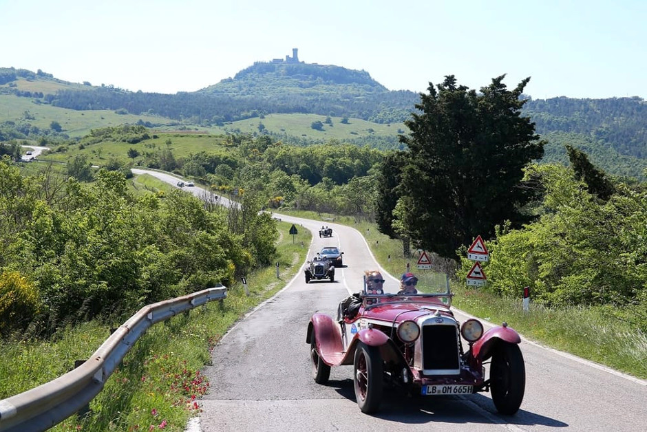 One day trips from Florence: Chianti tours with a classic car