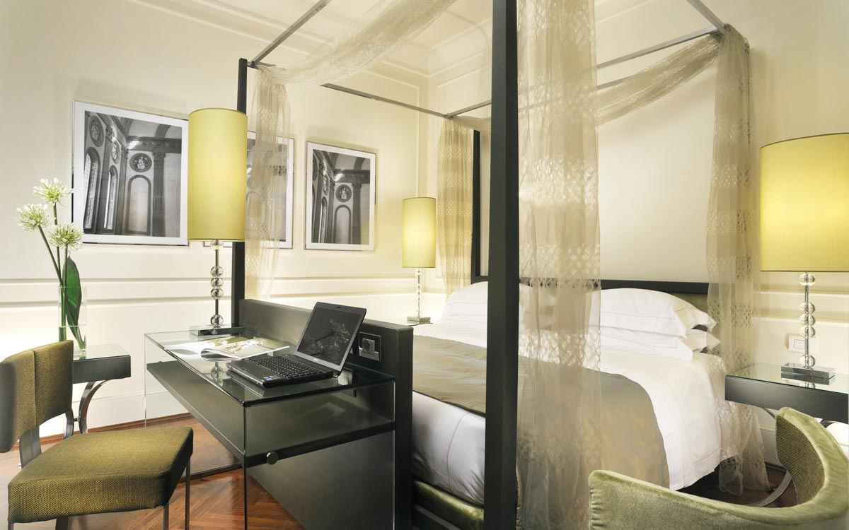 Junior suite executive in florence italy brunelleschi hotel for Camere da letto firenze
